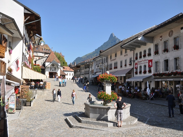 Wycieczka do Szwajcarii HB