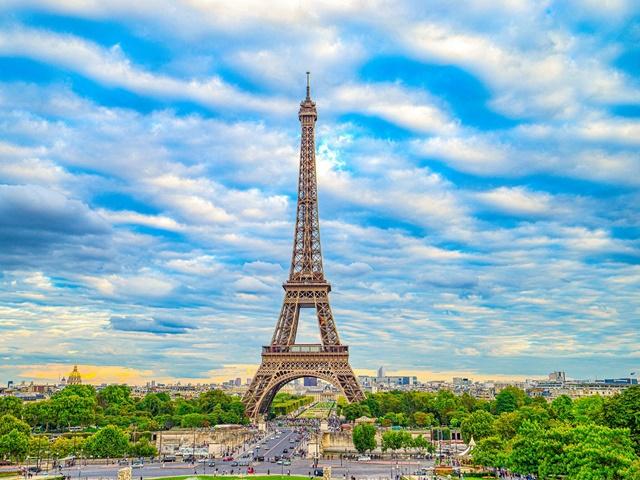 Wycieczka do Paryża z noclegiem w Hotelu Formule 1 BB